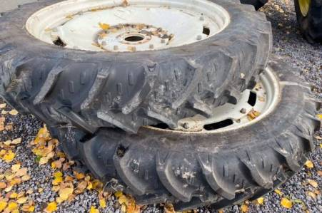 2 ROUES 12,4R46 POUR NEW HOLLAND M100