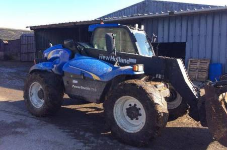 TELESCOPIQUE NEW HOLLAND LMA 425A 4 ROUES DIRECTRI