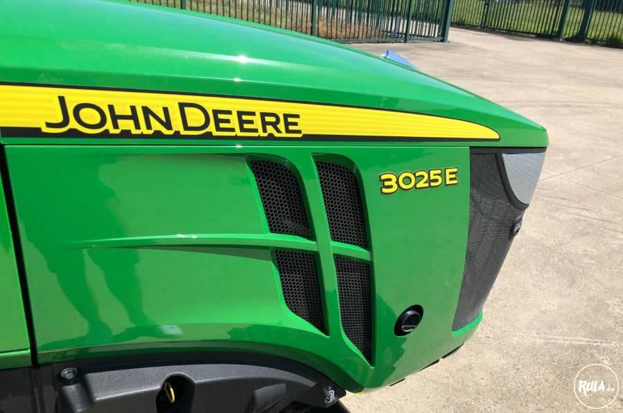 John Deere 3025E